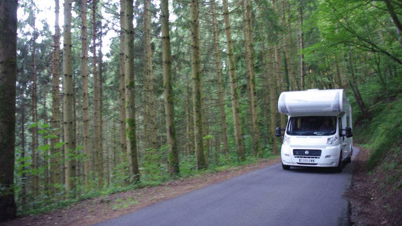ARUNA , viajando en autocaravana por la Selva Negra, Alemania.